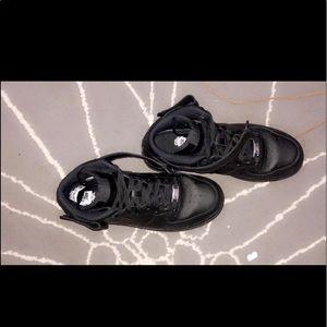 "Nike air force 1 mid ""triple black"""